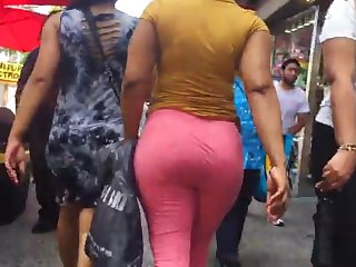 bubble booty latina milf vtl in pink leggings