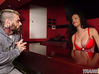 bigass tranny assfucking her muscular lover