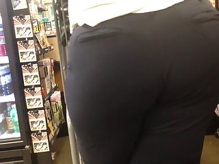short & chesty bbw booty (checkout line)